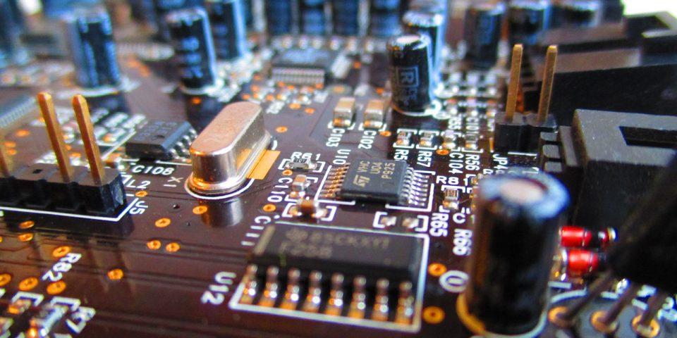 circuit-board-973311_1280